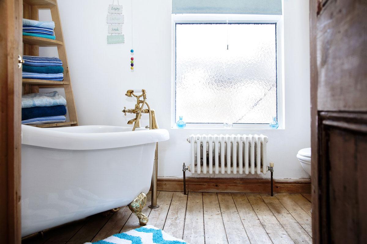 Ein maritimes Badezimmer einrichten - alles-wohnen.de